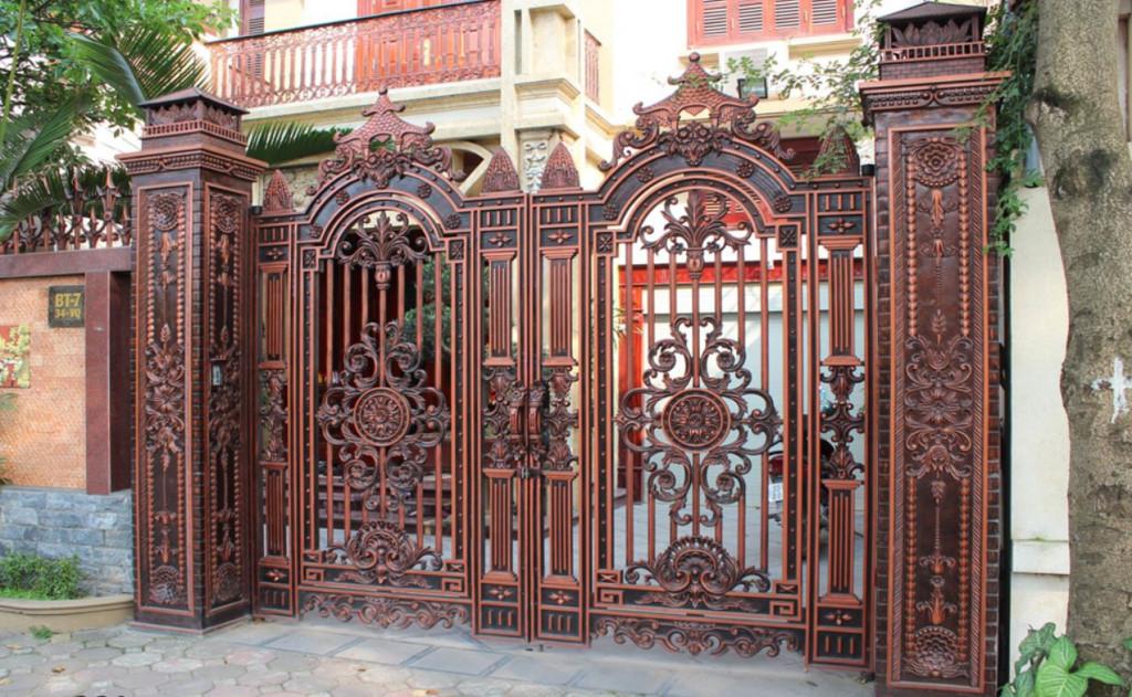 Mẫu cổng biệt thự bằng đồng