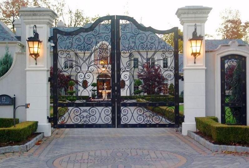 Mẫu cổng biệt thự bằng sắt